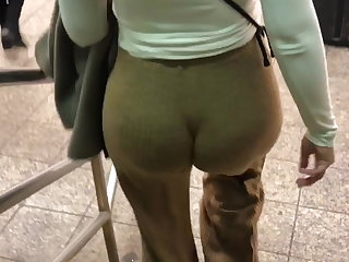 Lebanese Big ass Latina in loose brown pants