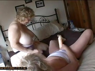 Azeri Strap-on and nude sex gg