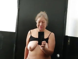 Latin Mature bbw Latina woman toilet time – hairy pussy got very wet
